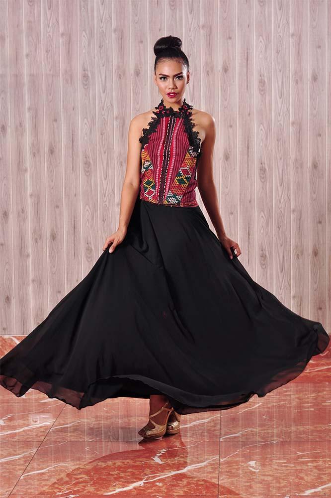 Bak ratu sehari, maksimalkan penampilanmu dengan dress mekar supaya menambah pesonamu.