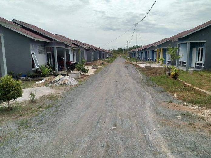 Kementerian PUPR memberikan bantuan prasarana, sarana dan utilitas (PSU) kepada pengembang perumahan bersubsidi.
