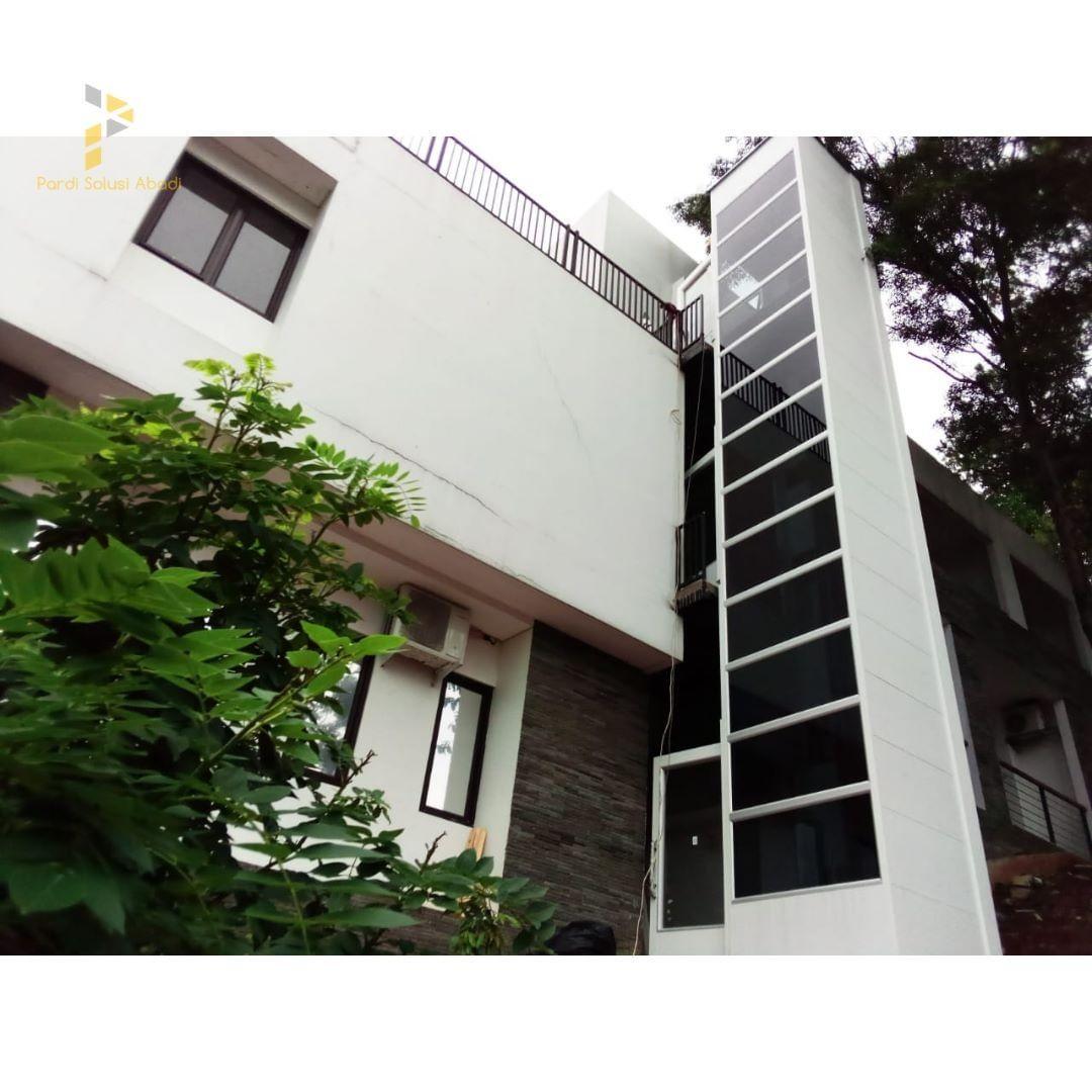 Salah satu produk home lift dari Pardi Solusi yang telah diaplikasikan di salah satu gedung